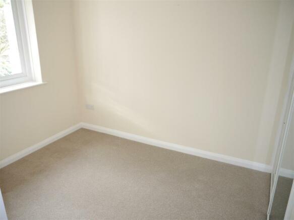 elm bedroom 2.JPG
