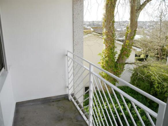elm balcony 2.JPG