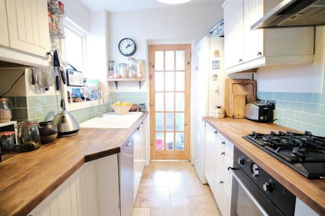 50 rich kitchen main net 1.jpg