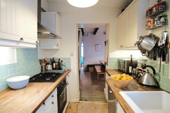 50 rich kitchen 2.jpg