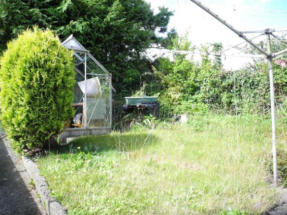 7272 garden.JPG