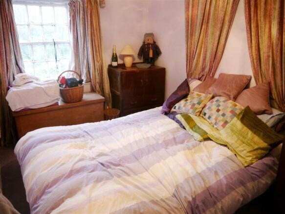 rill bedroom 2.JPG