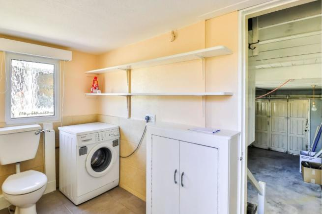 Utility Room/Cloakro