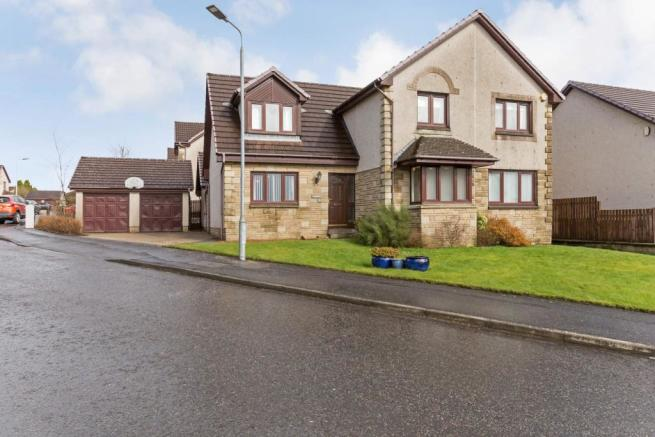 A house with granny flat for sale in glasgow scotland.