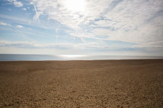 Gorleston Beach - Mo