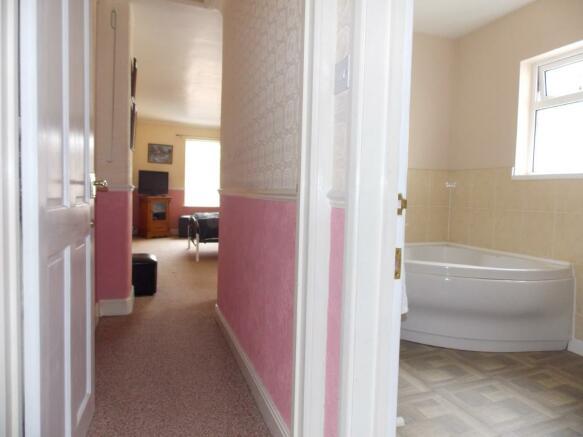 Bedroom 2 and En-sui