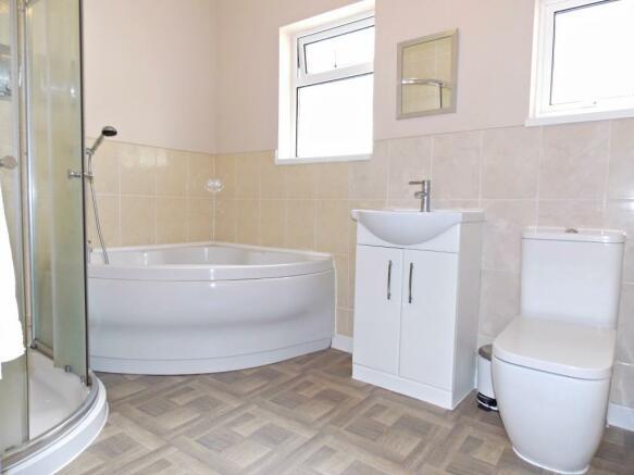 En-suite/Family Bath