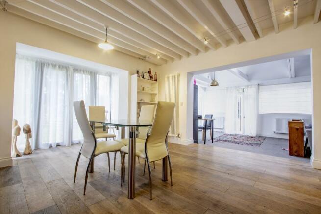 Cottage living/dinin