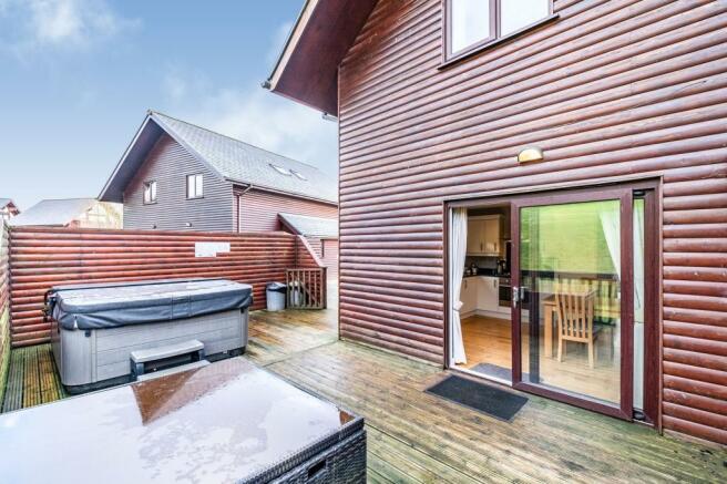 2 Bedroom Bungalow For Sale In Retallack Resort Winnards