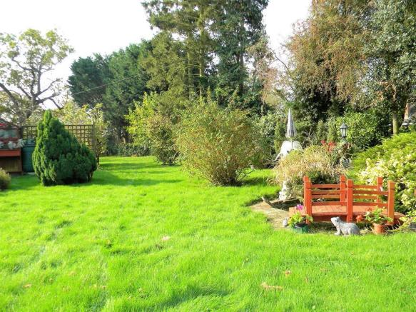 Right Side Garden