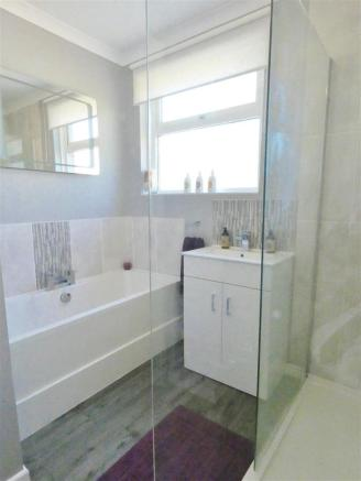 Bathroom/Shower Room