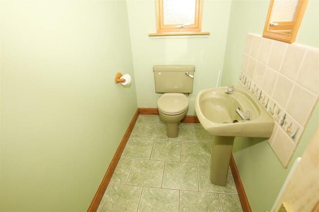 Cloakroom /WC