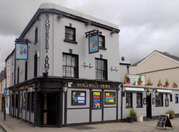 maidstone arms living room 6 bedroom pub for in the somerset arms darnley road 14699