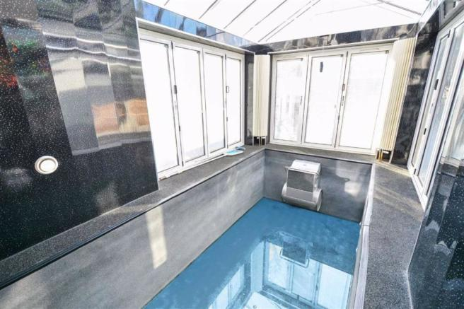 Indoor Swimming Pool:
