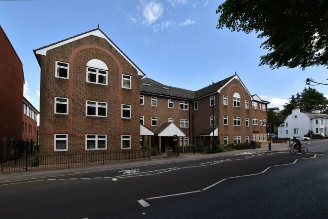 2 Bedroom Apartment To Rent In Bell Street Reigate Surrey