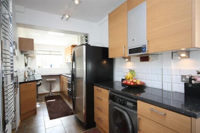 Kitchen pt2.JPG