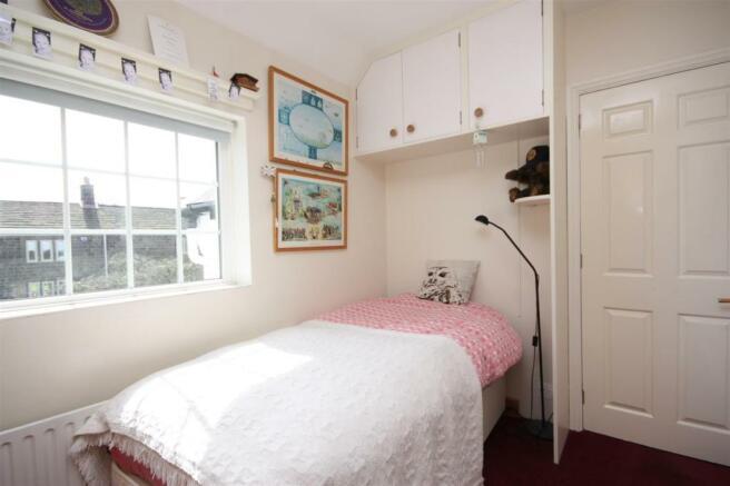 43 Lee Lane West - Bed three.JPG
