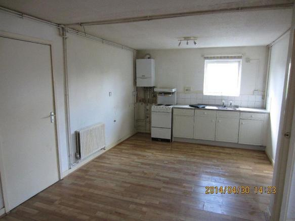 Leighton.156.F1 - kitchen.jpg