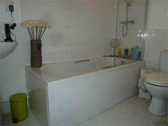 Flat One Bathroom