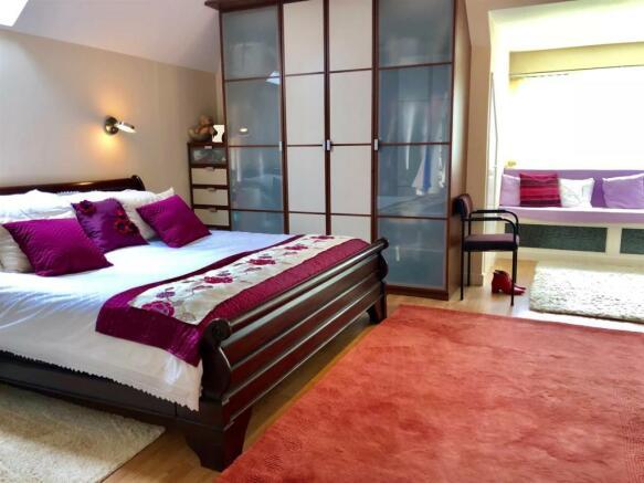 Twycross main bed.jpg