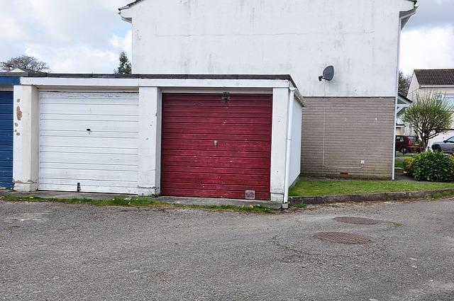 Longfield (18) April 13. Garage external. .jpg