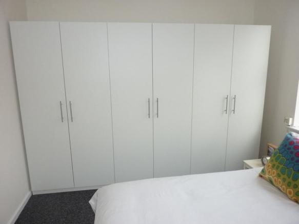 Bedroom One (pic2)
