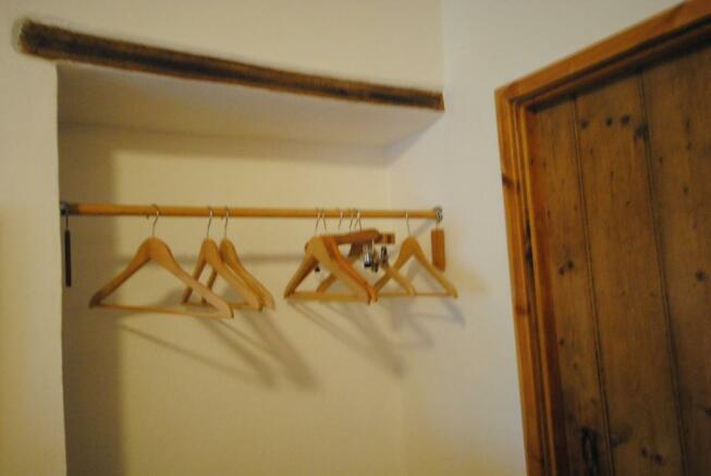 hanging rail in bedroom