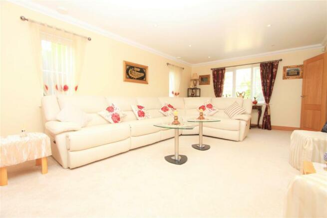 Living Room.1.jpg