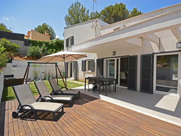 Modern house at the foot of the Tramuntana in Esporlas, Palmasurroundings - Majorca