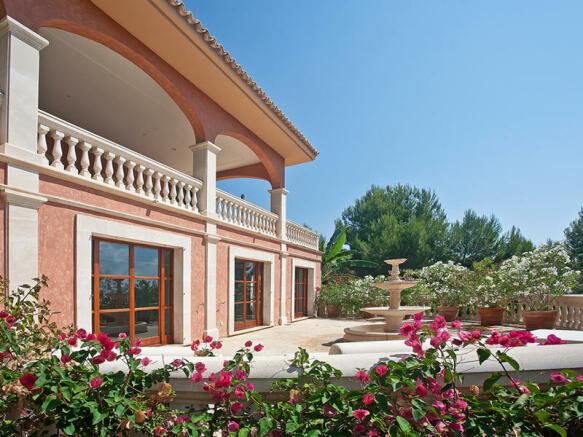Luxury villa with guest house in Son Vida - Palma de Majorca
