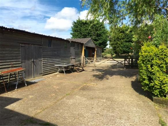 Treetops Stables & yard area