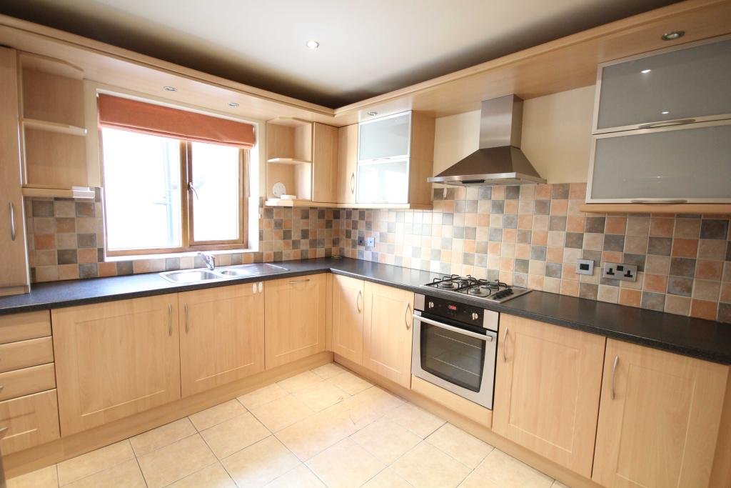 2 bedroom apartment to rent 26 Holdsworth Street, Cleckheaton, BD19 3DH