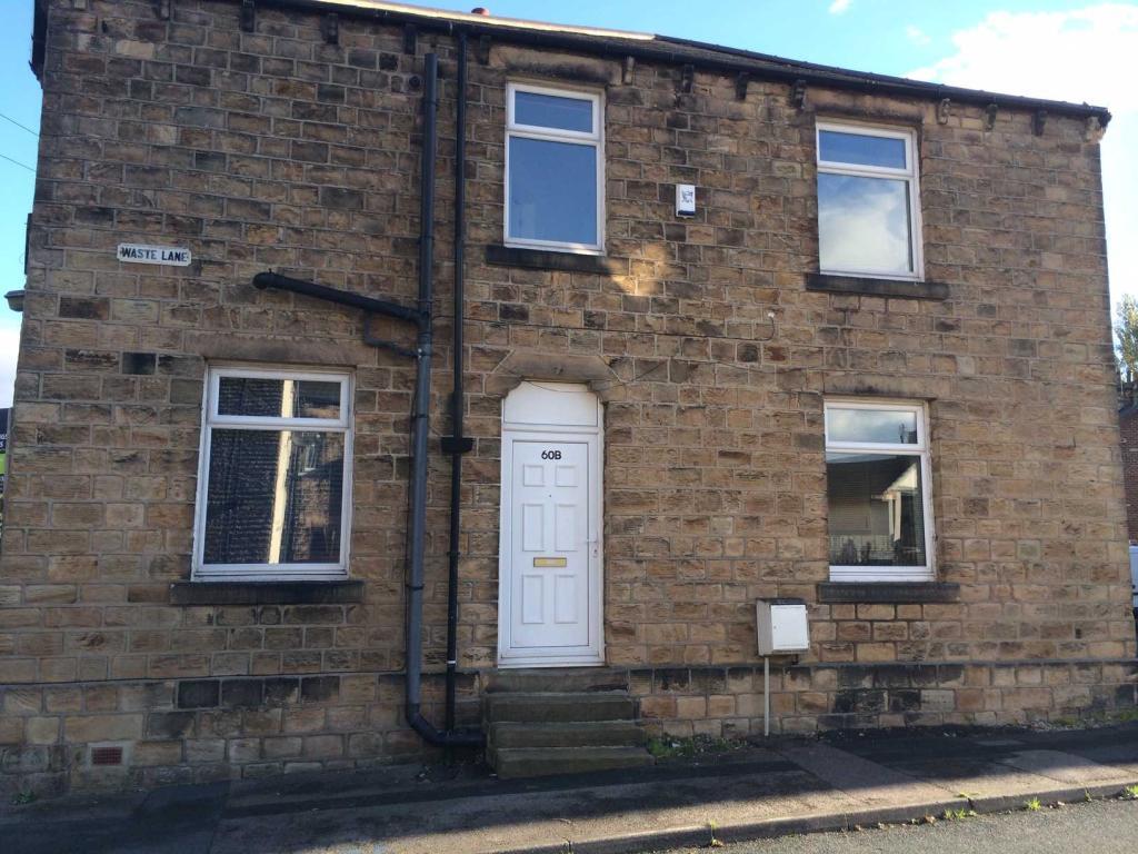 2 bedroom terraced house to rent 60B Calder Road, Mirfield, WF14 8NR
