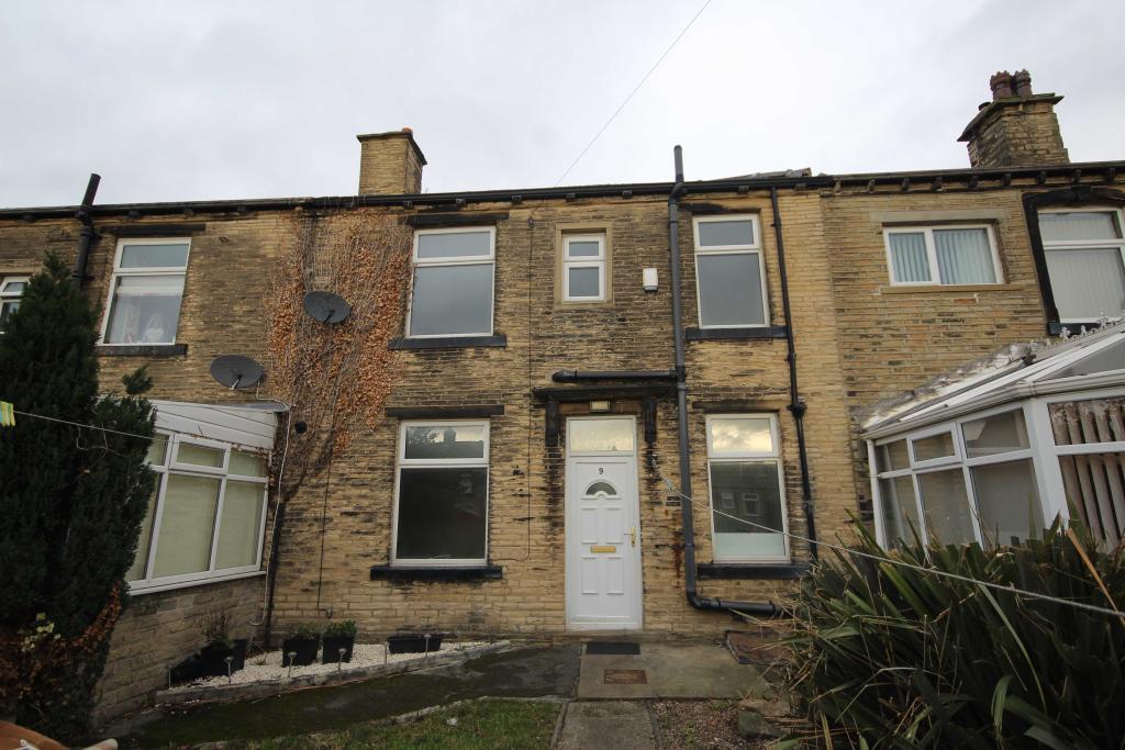 2 bedroom terraced house to rent 9 Temperance Field, Wyke, Bradford , Bd12 9nr