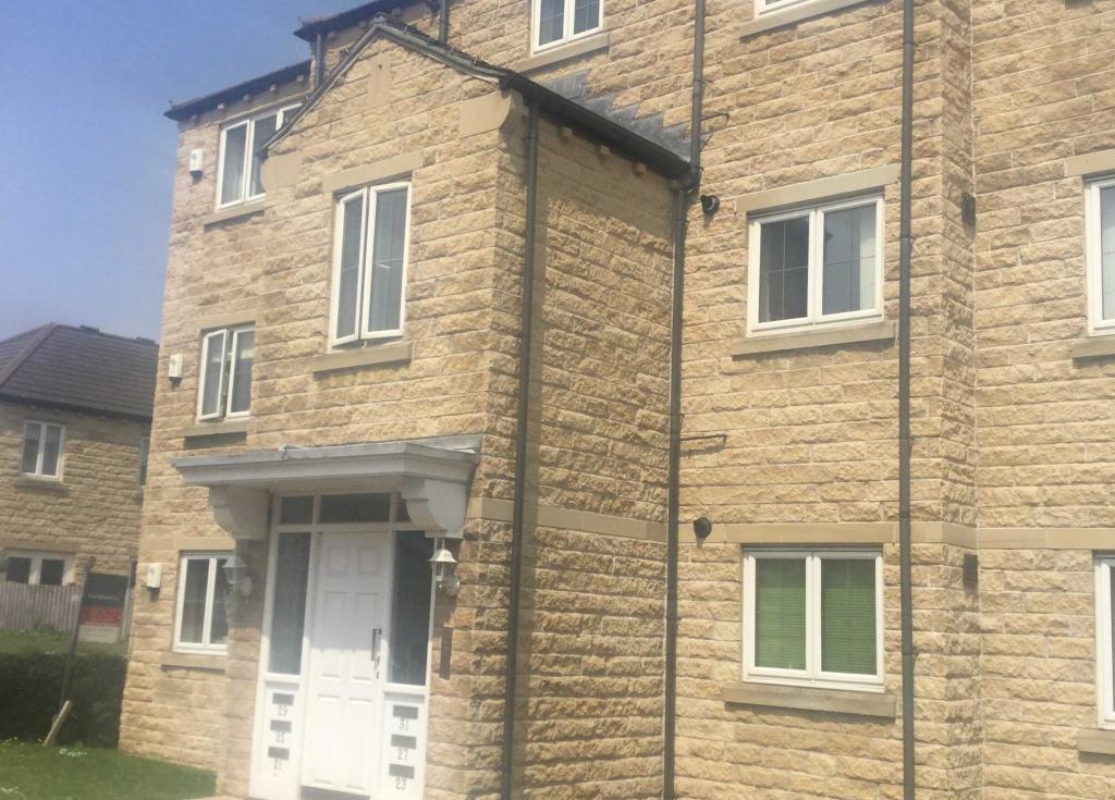 2 bedroom apartment to rent 31 Huddleston Court, Mirfield, WF14 8BD