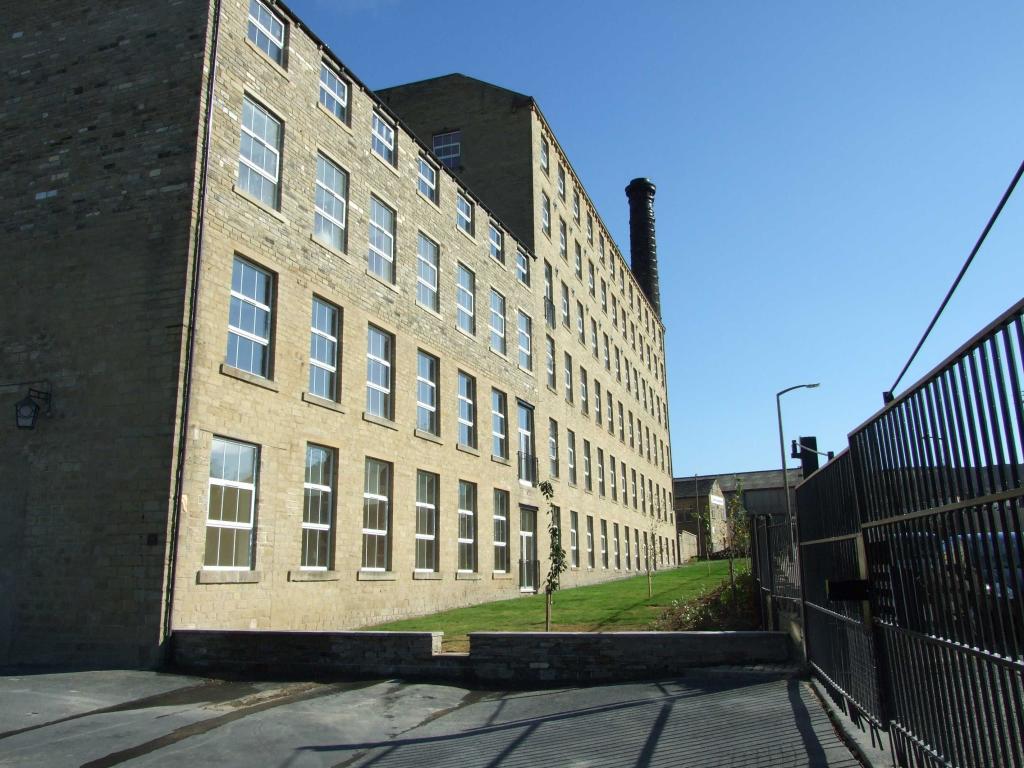 2 bedroom apartment to rent 32 Perseverance Mills, Westbury Street, Elland, HX5 9AG