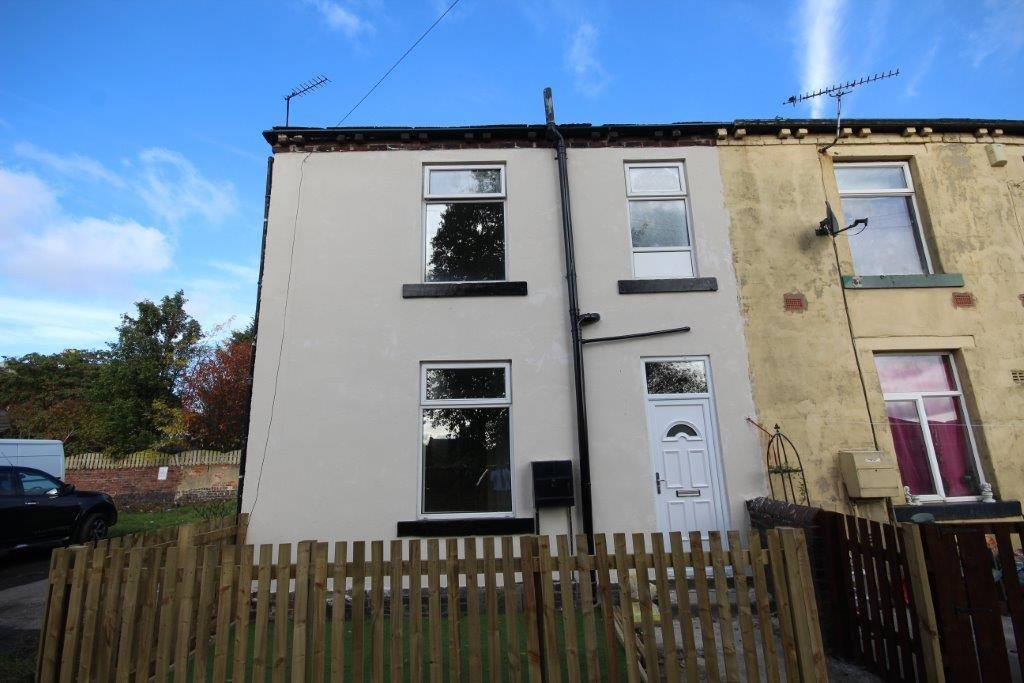 2 bedroom end of terrace house to rent Brick Row, Bradford, BD12