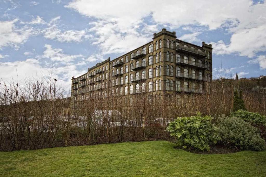 1 bedroom apartment to rent 520a Titanic Mills, Low Westwood Lane, Linthwaite, Huddersfield, HD7 5UN