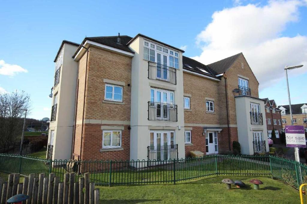 2 bedroom apartment to rent 32 Radulf Gardens, Liversedge, WF15 6AT