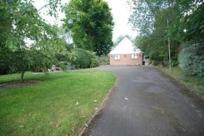 Photo of Rhododendron Avenue, Meopham