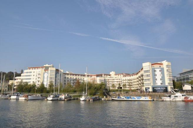 Harbourside Lo...