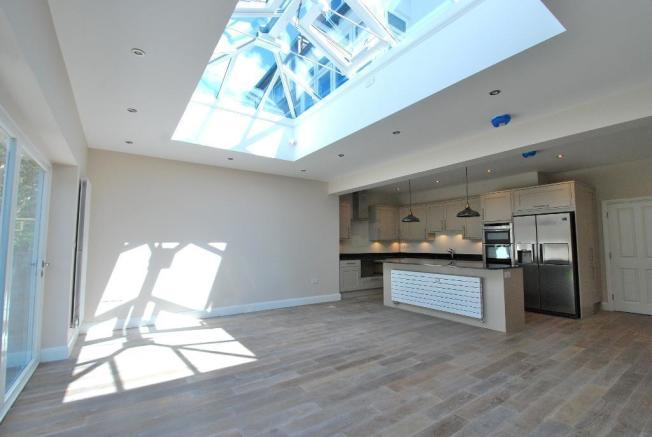 Open-Plan Living/Kitchen/Dining Spaces