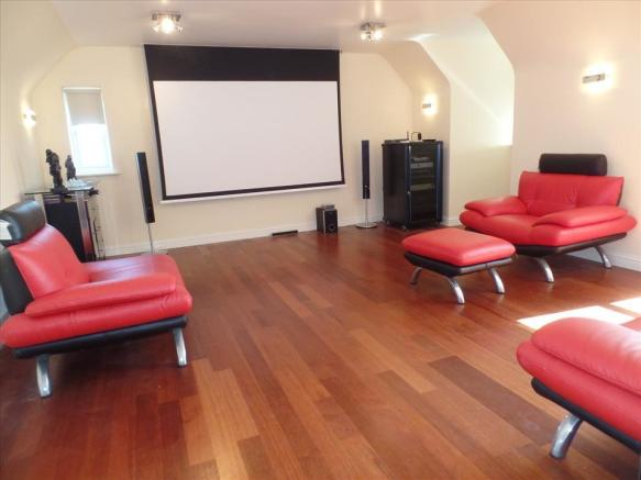 CINEMA ROOM/TEENAGE DEN/FAMILY ROOM
