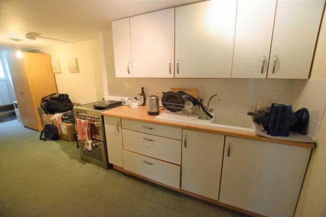 Kitchen (Apart...