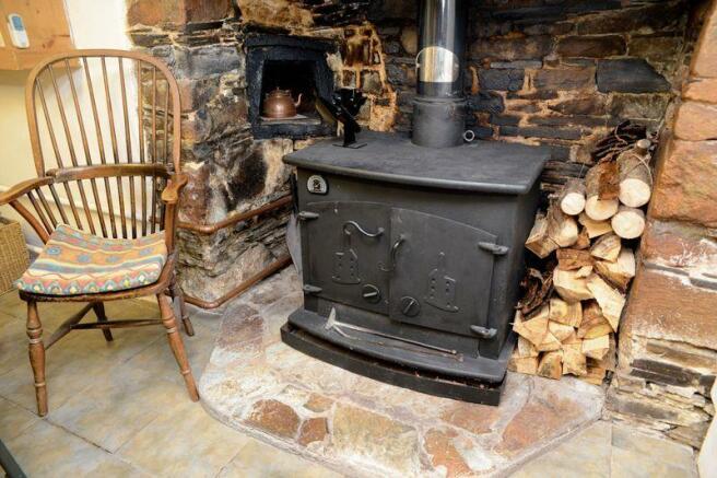 Wood burner an...