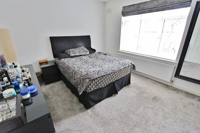bed 1 angle 1