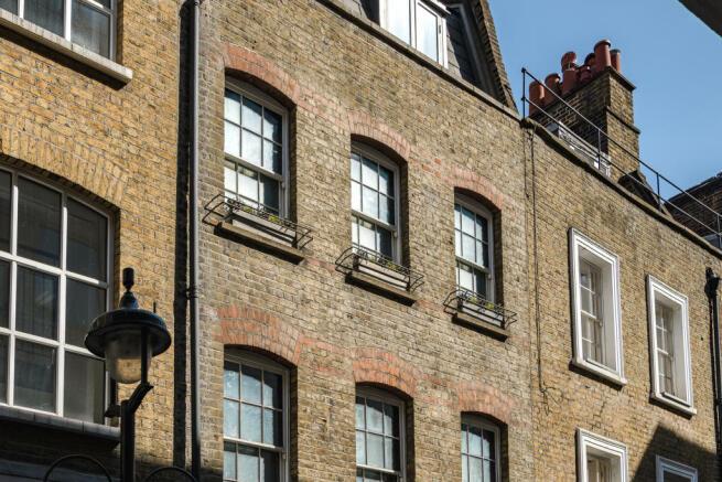 St Annes Court, London W1 (38).jpg