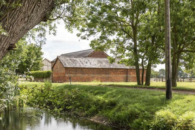 The Granary, Blackmore, Essex (4).jpg