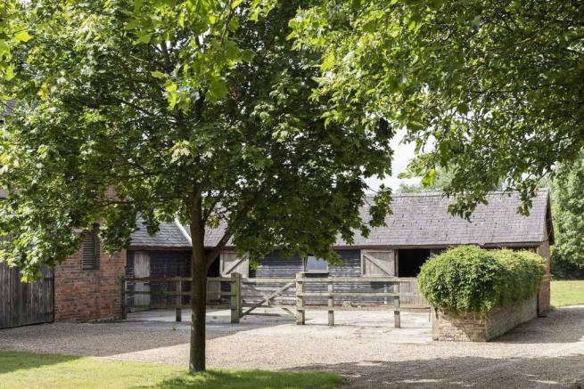The Granary, Blackmore, Essex (13).jpg