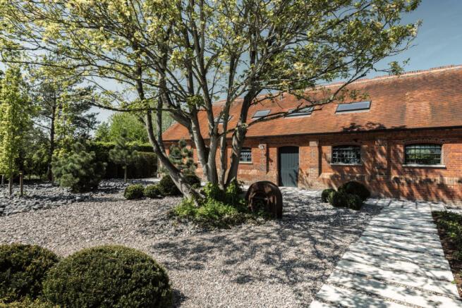 Noble Barn, nr Henley-on-Thames Berkshire (26).jpg